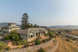1491 Walker Point Road, Bayside South, CA 95524