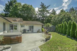 536 Riverside Park Road, Carlotta, CA 95528