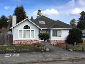 2145 Ridgewood Drive, Eureka, CA 95503