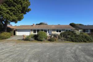 1615 Verwer Avenue, McKinleyville, CA 95519