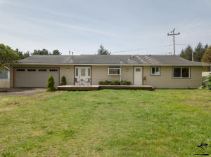 1748 Windsor Avenue, McKinleyville, CA 95519