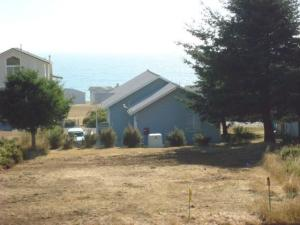 1105 Upper Pacific Drive, LT 17 BLK 122, Shelter Cove, CA 95589
