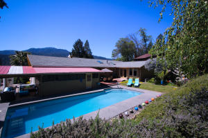507 Forest View Drive, Willow Creek, CA 95573