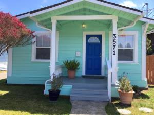 3571 F Street, Eureka, CA 95501