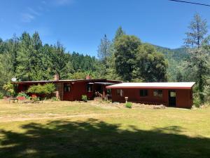 319 Trinity Acres Road, Willow Creek, CA 95573