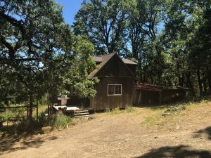 85 Rd A Road, Redway, CA 95560
