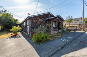 2067 Eastern Avenue, Arcata, CA 95521