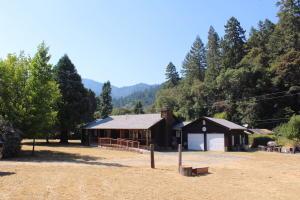 191 Red Bud Lane, Willow Creek, CA 95573