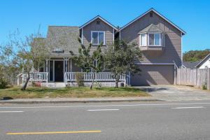 2506 Mckinleyville Avenue, McKinleyville, CA 95519