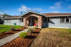 1191 Nelson Way, McKinleyville, CA 95519