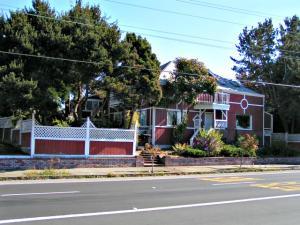 1813 H Street, Eureka, CA 95501
