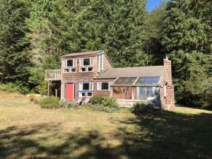 390 Mcdonald Creek Road, Trinidad, CA 95570