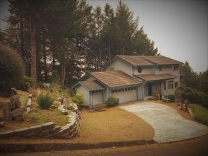 150 Duluard Drive, Shelter Cove, CA 95589