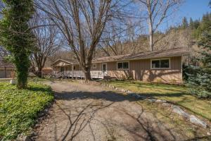 141 River Ranch Road, Douglas City, CA 96024
