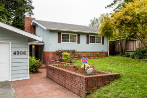 4306 Fairway Drive, Eureka, CA 95503