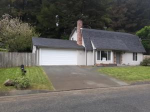 6948 London Drive, Eureka, CA 95503