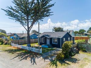 2384 Lindstrom Avenue, Samoa Peninsula, CA 95564