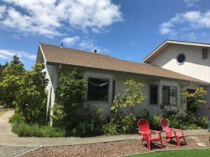 54 Linda Lane, Garberville, CA 95542