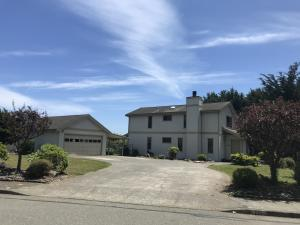 105 Boyden Lane, Fortuna, CA 95540