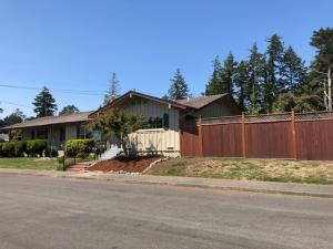 2003 Cypress Loop, Fortuna, CA 95540