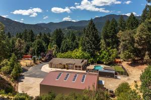 145 Hillcrest Way, Willow Creek, CA 95573