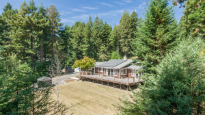149 Hilltop Lane, Blue Lake, CA 95525