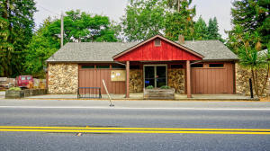 14 Johnson Lane, Carlotta, CA 95528