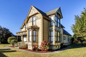 923 Main Street, Ferndale, CA 95536