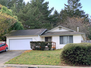 6846 London Drive, Humboldt Hill, CA 95503