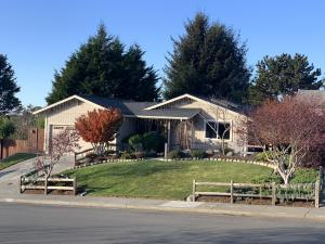 1757 Holly Drive, McKinleyville, CA 95519