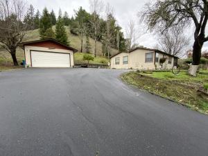 3875 Sprowel Creek Road, Garberville, CA 95542