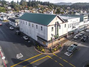 906 S Main Street, Fortuna, CA 95540