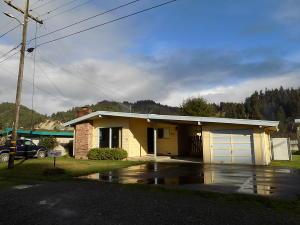 540 Gunnerson Lane, Rio Dell, CA 95562