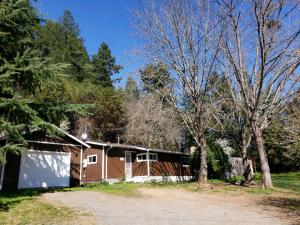 39484 State Hwy 299, Willow Creek, CA 95573