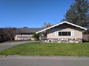 1003 Emerald Lane, Fortuna, CA 95540