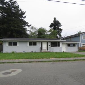 1033 Riverside Drive
