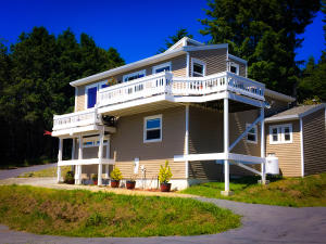 111 Albatross Road, Shelter Cove, CA 95589