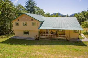 833 Tim Mullen Road, Kneeland, CA 95549