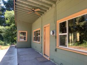 2096 Ca-96 Road, Willow Creek, CA 95573