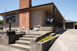 2521 Renfrew Street, Eureka, CA 95501