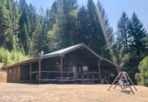 170 Forest Glen Drive, Hayfork, CA 96041
