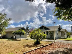 1235 Ross Hill Road, Fortuna, CA 95540