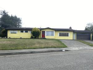 1184 Midfield Court, McKinleyville, CA 95519