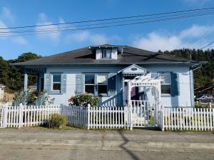 6741 Harrison Street, Fields Landing, CA 95537