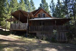 16270 Zenia Lake Mountain Road, Zenia, CA 95595