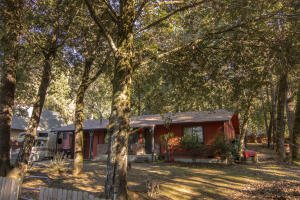 163 Tree Top Lane, Willow Creek, CA 95573