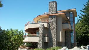 10 Blueridge Road, Whitethorn, CA 95589