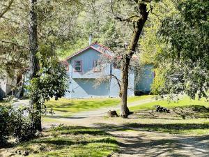 3765 Sawmill Road, Garberville, CA 95542