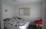 10' x 10.5' bedroom