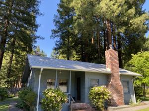 349 Newton Road, Weott, CA 95571